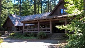 Silver Falls Lodge